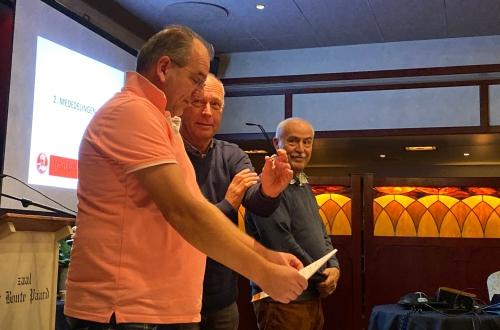 Scheidsrechters Johan Plantinga en Jan Victor Dorlas